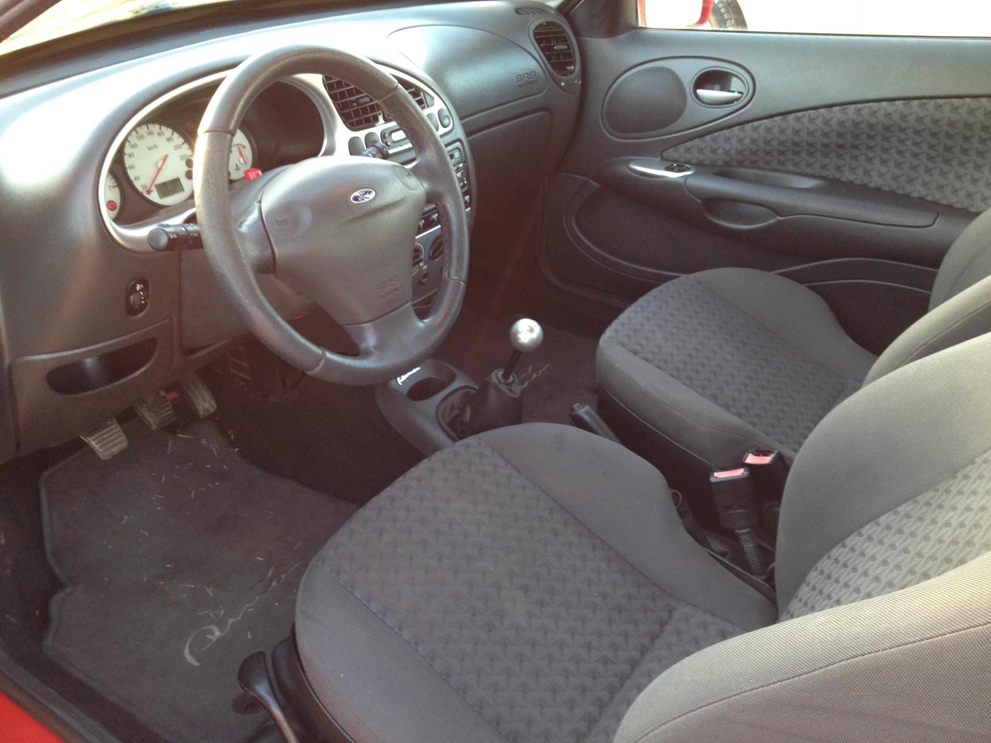 ford puma interieur cuir